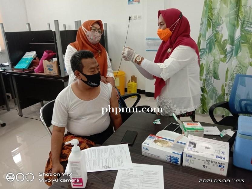 Vaksin Covid -19 bagi Seluruh Guru SMA Al-Azhar Menganti